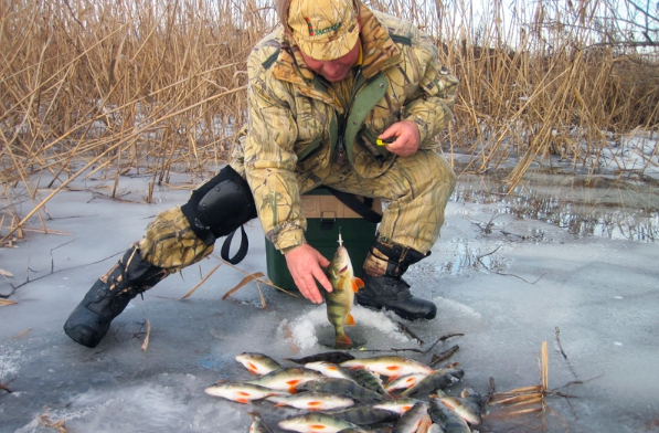 Ice fishing - relaxation for body and soul